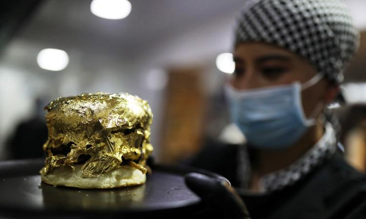 يصنعون همبرغر بذهب عيار 24 قيراطًا في كولومبيا ؛  هذا سعره