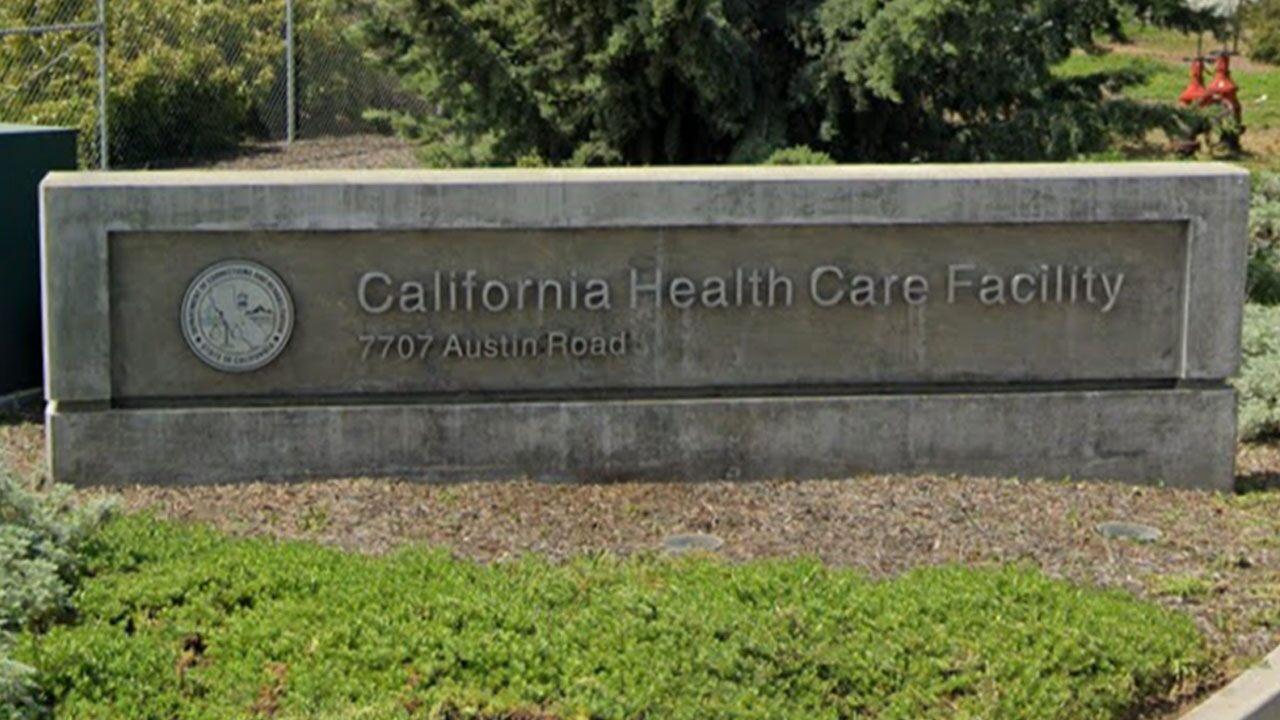 Los presos de 'alto riesgo' de California se encuentran entre los primeros en recibir la vacuna COVID-19