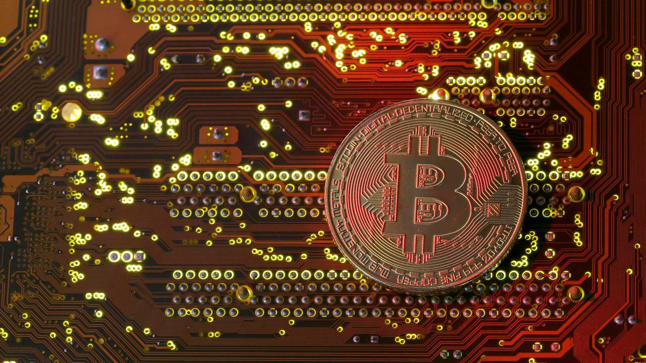 يتجاوز Bitcoin $ 38،500 ويمثل أعلى مستوى جديد على الإطلاق