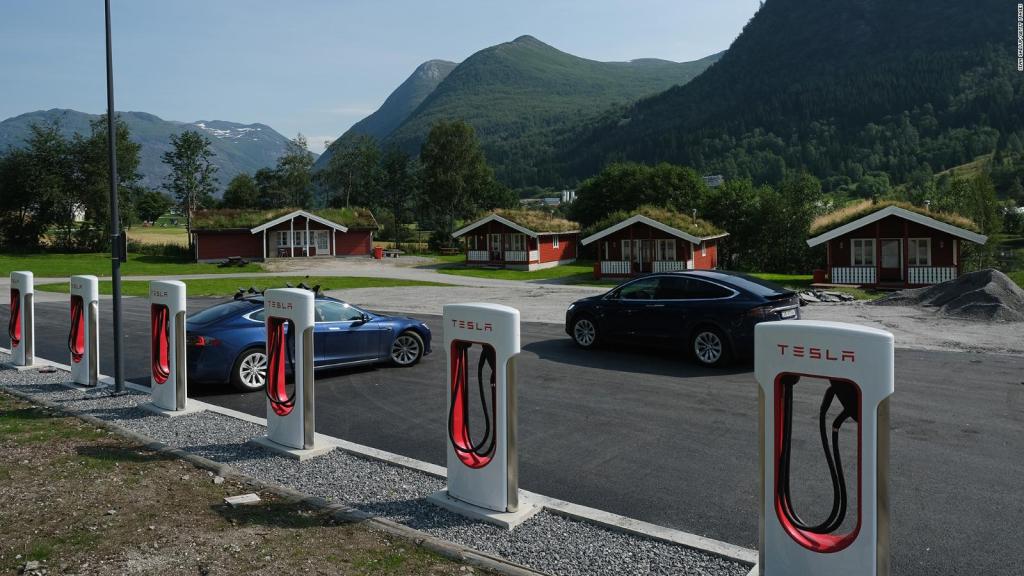 النرويج تسجل مبيعات قياسية للسيارات الكهربائية