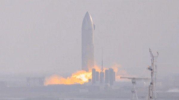 El prototipo Starship SN9 de SpaceX enciende sus motores por primera vez